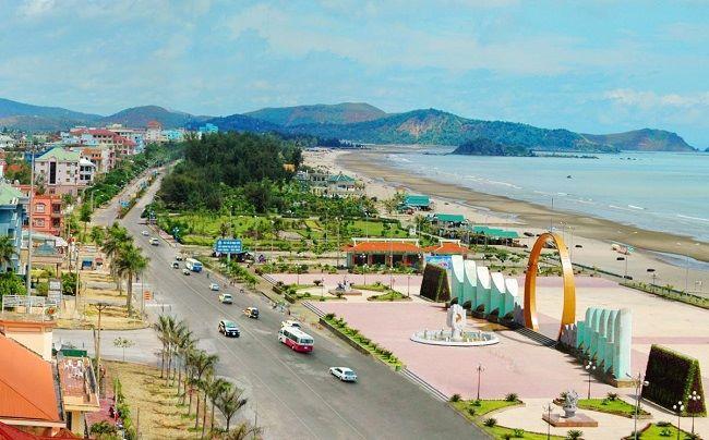 Đảo Long Sơn chiếm nhiều cảm tình của du khách.