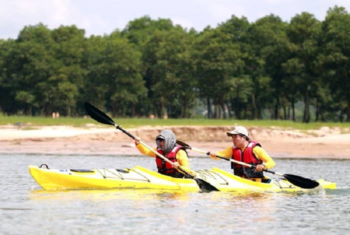 Một loại thuyền kayak đua