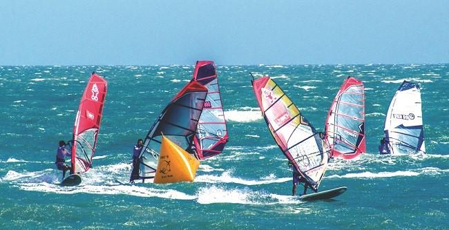 Lễ hội đua thuyền buồm hấp dẫn tại Quảng Nam.