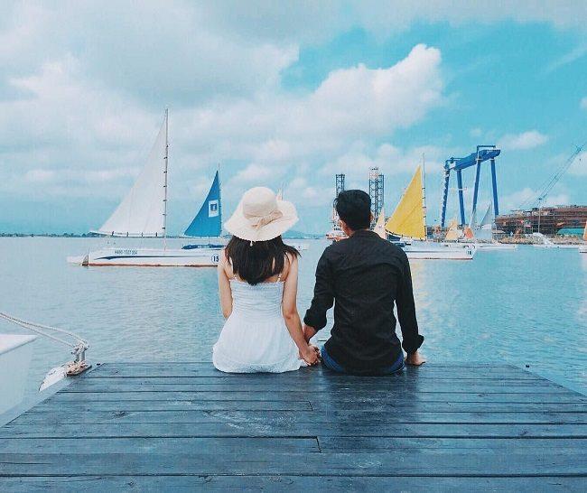 Thưởng thức cảnh đẹp tuyệt vời của bến thuyền Marina.