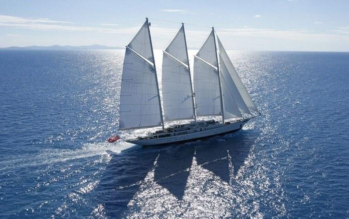 Thuyền buồm Athena
