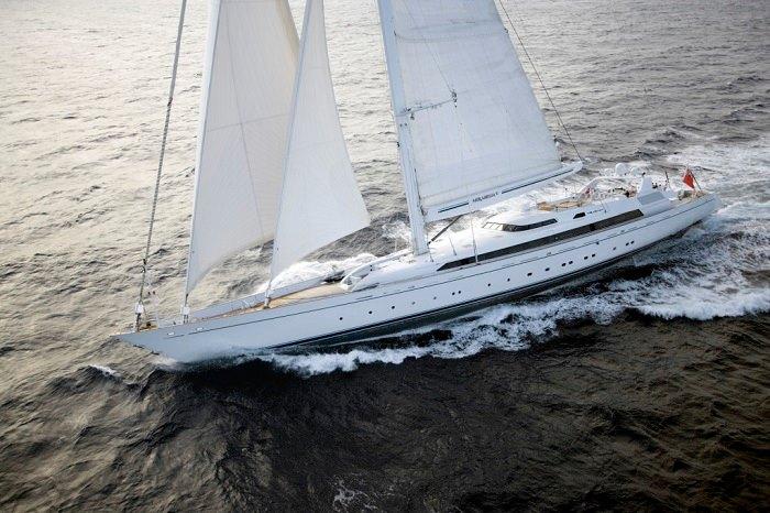 Thuyền buồm Mirabella V
