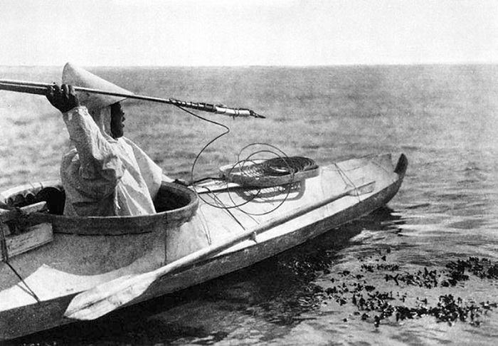Thuyền kayak truyền thống